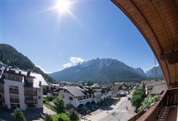 Hotel Simpaty - 6denní lyžařský balíček s denním přejezdem a skipasem v ceně***32
