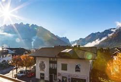 Hotel Simpaty - 6denní lyžařský balíček s denním přejezdem a skipasem v ceně***33