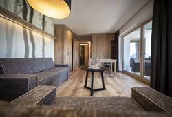 Hotel Simpaty - 6denní lyžařský balíček s denním přejezdem a skipasem v ceně***31