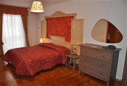 Hotel Piancastello - 5denní lyžařský balíček se skipasem a dopravou v ceně***3
