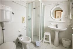 Hotel Aurora Paganella - 5denní lyžařský balíček se skipasem a dopravou v ceně***11