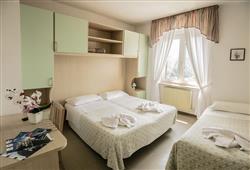 Hotel Aurora Paganella - 5denní lyžařský balíček se skipasem a dopravou v ceně***6