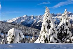 Hotel Aurora Paganella - 5denní lyžařský balíček se skipasem a dopravou v ceně***24
