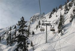 Hotel Aurora Paganella - 5denní lyžařský balíček se skipasem a dopravou v ceně***26