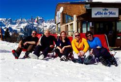 Hotel Aurora Paganella - 5denní lyžařský balíček se skipasem a dopravou v ceně***28