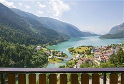 Hotel Aurora Paganella - 5denní lyžařský balíček se skipasem a dopravou v ceně***4