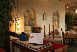 Hotel Miralago - 5denný lyžiarsky balíček so skipasom a dopravou v cene***12