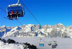 Hotel Miralago - 5denný lyžiarsky balíček so skipasom a dopravou v cene***17