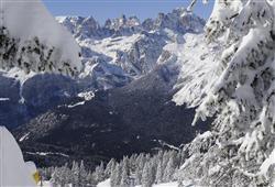 Hotel Miralago - 5denný lyžiarsky balíček so skipasom a dopravou v cene***22