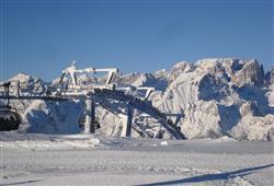Hotel Miralago - 5denný lyžiarsky balíček so skipasom a dopravou v cene***24