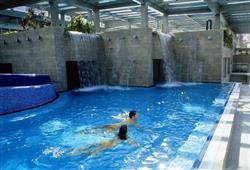 Hotel Jadran - 5denní lyžařský balíček s denním přejezdem, wellness a skipas v ceně***15