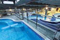 Hotel Jadran - 5denní lyžařský balíček s denním přejezdem, wellness a skipas v ceně***17