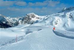 Hotel Jadran - 5denní lyžařský balíček s denním přejezdem, wellness a skipas v ceně***26