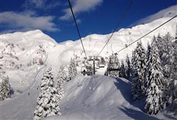Hotel Jadran - 5denní lyžařský balíček s denním přejezdem, wellness a skipas v ceně***27