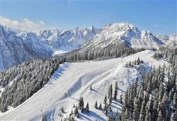 Hotel Jadran - 5denní lyžařský balíček s denním přejezdem, wellness a skipas v ceně***28