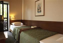 Hotel Jadran - 5denní lyžařský balíček s denním přejezdem, wellness a skipas v ceně***2