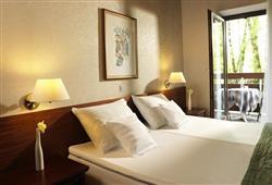 Hotel Jadran - 5denní lyžařský balíček s denním přejezdem, wellness a skipas v ceně***7