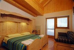 Hotel Aurora Pejo - 6denný lyžiarsky balíček so skipasom a dopravou v cene***2