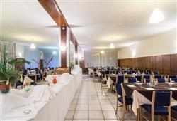 Hotel Cimone Excelsior – 6denný lyžiarsky balíček so skipasom na 4 dni a dopravou v cene***6