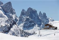 Hotel Cimone Excelsior – 6denný lyžiarsky balíček so skipasom na 4 dni a dopravou v cene***15