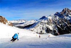 Hotel Cimone Excelsior – 6denný lyžiarsky balíček so skipasom na 4 dni a dopravou v cene***17