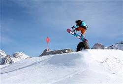 Hotel Cimone Excelsior – 6denný lyžiarsky balíček so skipasom na 4 dni a dopravou v cene***22
