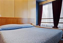 Hotel Marilleva 1400 decembrový termín 4 noci a 5 dní skipas****3