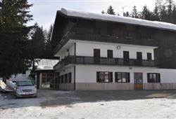 Hotel Casa Alpina – 5denný lyžiarsky balíček so skipasom a dopravou v cene**1