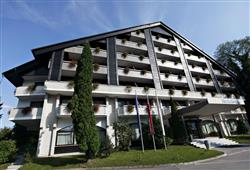 Hotel Savica – gourmet a wellness pobyt so skipasom do 3 krajín v cene***2