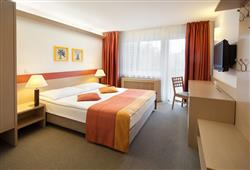 Hotel Savica – gourmet a wellness pobyt so skipasom do 3 krajín v cene***6