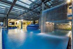 Hotel Savica – gourmet a wellness pobyt so skipasom do 3 krajín v cene****4