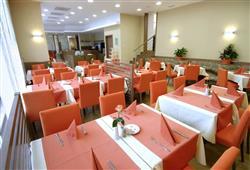 Hotel Savica – gourmet a wellness pobyt so skipasom do 3 krajín v cene****12