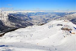 Alpotel Dolomiten – 6denní lyžařský balíček se skipasem a dopravou v ceně***16