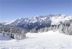 Alpotel Dolomiten – 6denní lyžařský balíček se skipasem a dopravou v ceně***19