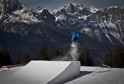 Alpotel Dolomiten – 6denní lyžařský balíček se skipasem a dopravou v ceně***24