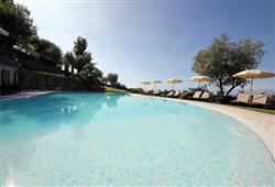 Rezidencia Borgo degli Ulivi****5