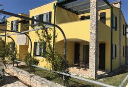 Villa Faro***25
