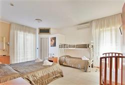 Hotel Carla**3
