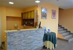 Hotel Augustus - 5denní lyžařský balíček se skipasem a dopravou v ceně**8