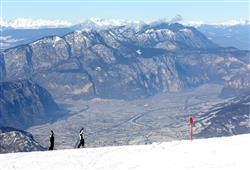 Hotel Augustus - 5denní lyžařský balíček se skipasem a dopravou v ceně***35
