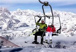 Hotel Augustus - 5denní lyžařský balíček se skipasem a dopravou v ceně***18