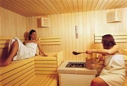 Hotel Arnica - 5denní lyžařský balíček se skipasem a dopravou v ceně****10