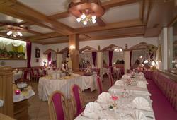 Hotel Arnica - 5denní lyžařský balíček se skipasem a dopravou v ceně****18