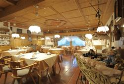 Hotel Arnica - 5denní lyžařský balíček se skipasem a dopravou v ceně****20