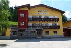 Hotel Garni Bernard**2