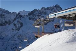 Hotel Al Maniero - 5denní lyžařský balíček se skipasem v ceně***39