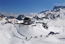 Sport hotel Forte - 5denní lyžařský balíček - zalyžujte si ve 2 zemích***37
