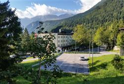 Sport hotel Forte - 5denní lyžařský balíček - zalyžujte si ve 2 zemích***6