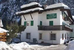 Hotel Verda Val**1