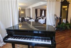 Romantic Hotel Excelsior****10